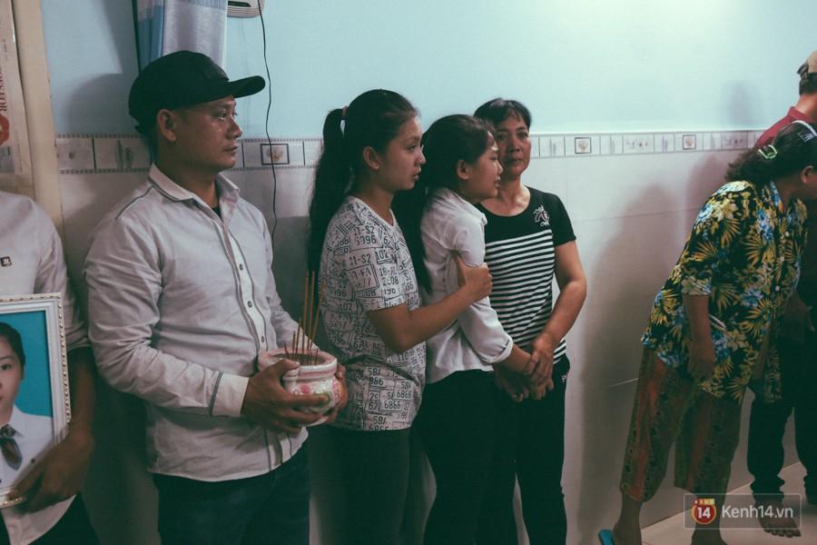 Vụ cô gái bị bạn trai cũ phân xác ở Sài Gòn: Chồng sắp cưới không đứng vững, liên tục gào khóc gọi tên người yêu trong tuyệt vọng - Ảnh 5