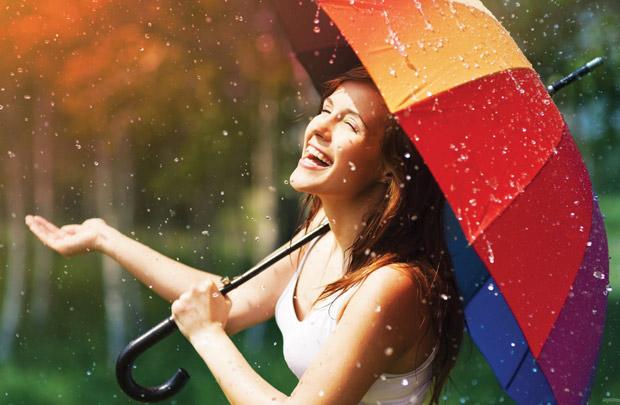 Những thói quen sai lầm khi chăm sóc da vào mùa mưa khiến da ngày càng tệ đi - Ảnh 1