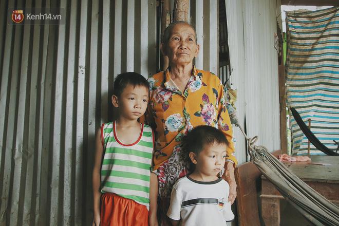 Bố mất, mẹ lặng lẽ bỏ đi khiến 2 đứa trẻ côi cút, đói ăn bên bà nội già yếu: 'Sao con không có bố mẹ như mấy bạn vậy nội' - Ảnh 6