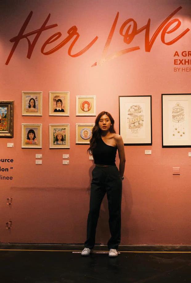 Cô bạn thân của Lisa ở Thái Lan: Nhan sắc đẹp chẳng kém idol, style đơn giản mà vẫn sexy 'hết nút' - Ảnh 15