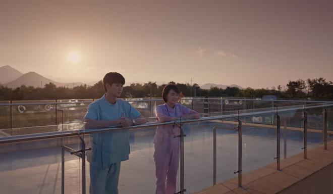 Đưa 'khùng nữ' Seo Ye Ji đi nhà nghỉ nhưng Kim Soo Hyun lại quên đem tiền ở Điên Thì Có Sao tập 5 - Ảnh 11