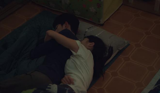 Đưa 'khùng nữ' Seo Ye Ji đi nhà nghỉ nhưng Kim Soo Hyun lại quên đem tiền ở Điên Thì Có Sao tập 5 - Ảnh 5