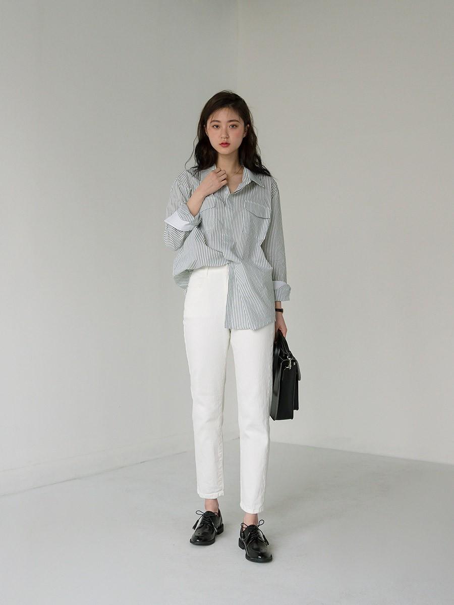 """Dù thời trang có xoay vòng thế nào, áo sơ mi vẫn là item """"hot bền vững"""" trong lòng mọi quý cô công sở - Ảnh 1"""