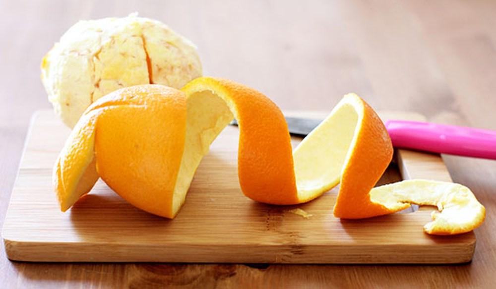 Đừng vứt vỏ cam sau khi ăn, hãy đem phơi khô rồi làm theo cách này để giảm dầu nhờn trên da - Ảnh 1