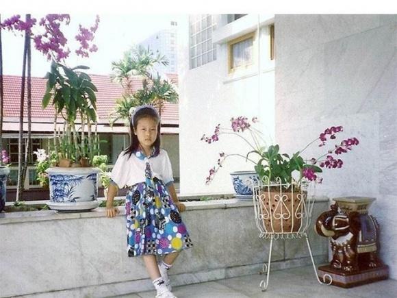 Hé lộ loạt ảnh hiếm lúc nhỏ của Hoa hậu Ngô Phương Lan - Ảnh 5