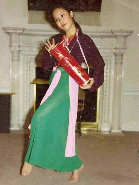 Hé lộ loạt ảnh hiếm lúc nhỏ của Hoa hậu Ngô Phương Lan - Ảnh 7
