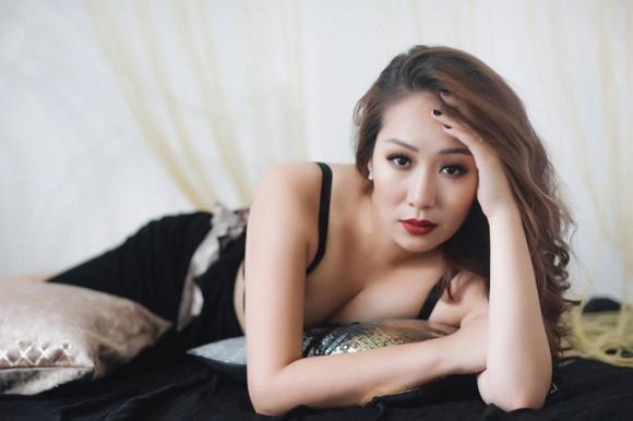 Hé lộ loạt ảnh hiếm lúc nhỏ của Hoa hậu Ngô Phương Lan - Ảnh 11