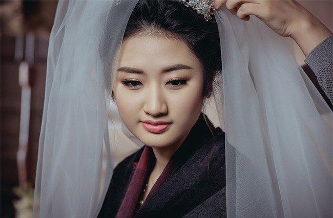 Hoa hậu Thu Ngân lo sợ mất chồng đại gia hơn 19 tuổi - Ảnh 1