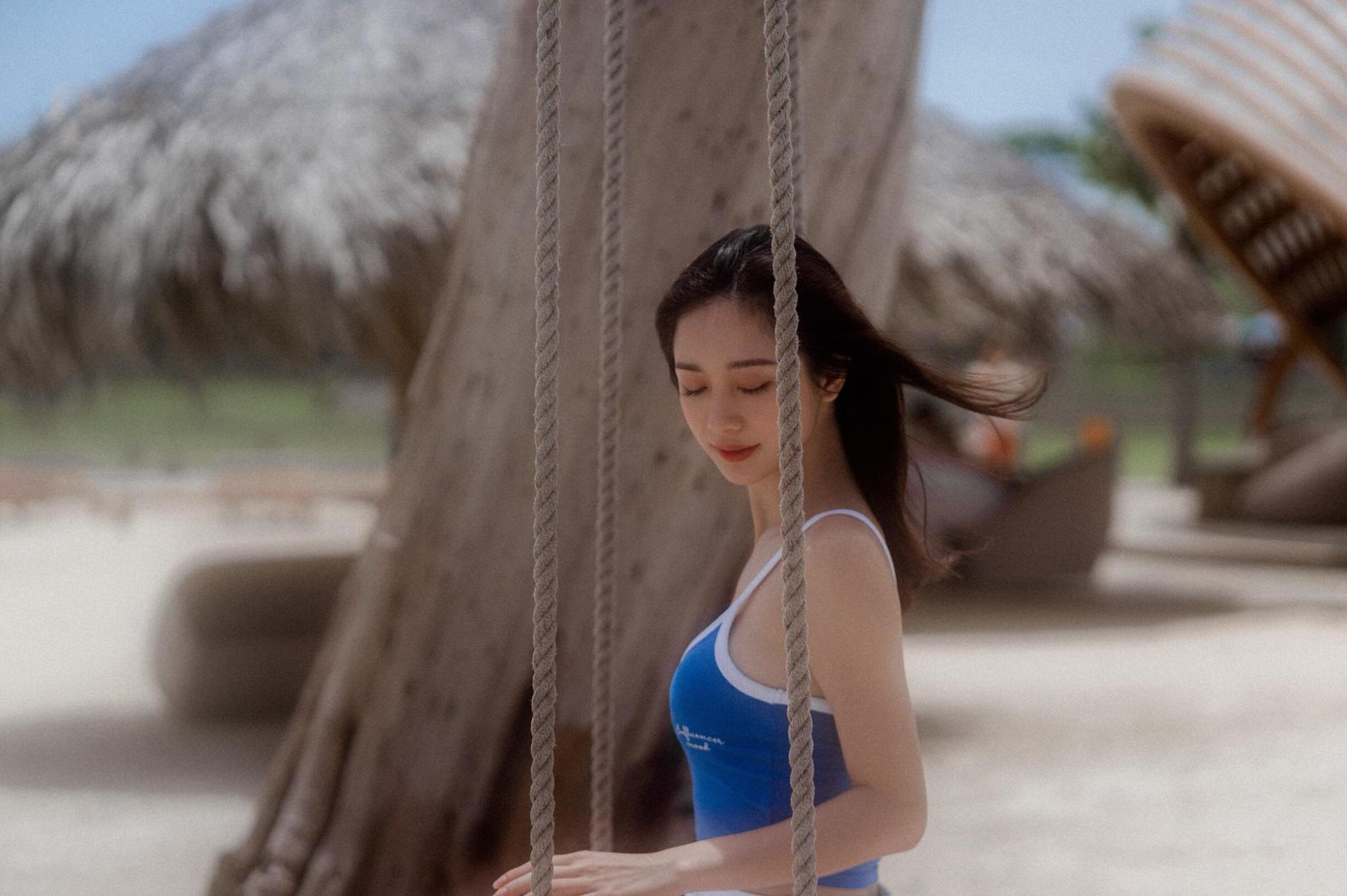Jun Vũ khoe ngực đầy trong bộ ảnh 'đẹp miễn chê' ở Phú Quốc - Ảnh 4
