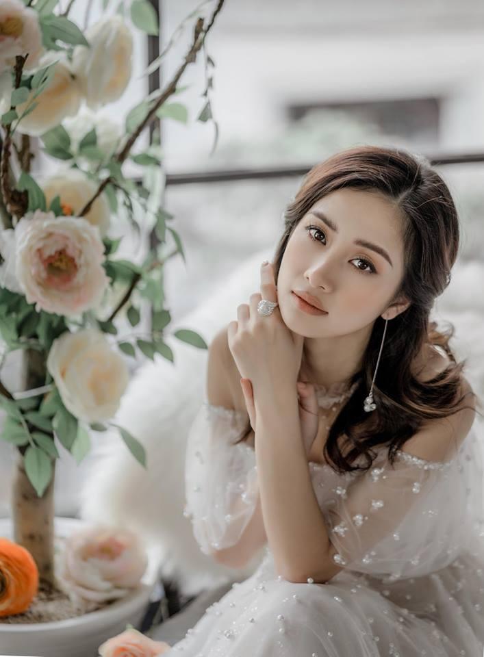 Jun Vũ khoe ngực đầy trong bộ ảnh 'đẹp miễn chê' ở Phú Quốc - Ảnh 10