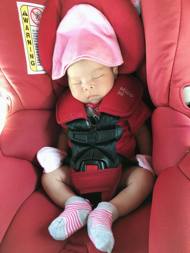 Chỉ 2 tuần sau sinh, con gái Thanh Thảo đã làm được điều này khiến ba mẹ mừng hơn nhặt được vàng - Ảnh 1