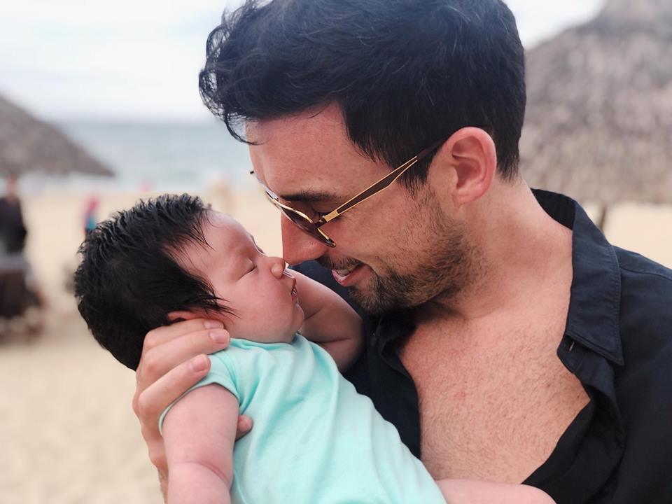 Mới chào đời hơn 1 tháng, con gái Hà Anh đã được cùng bố mẹ làm điều đặc biệt này - Ảnh 4