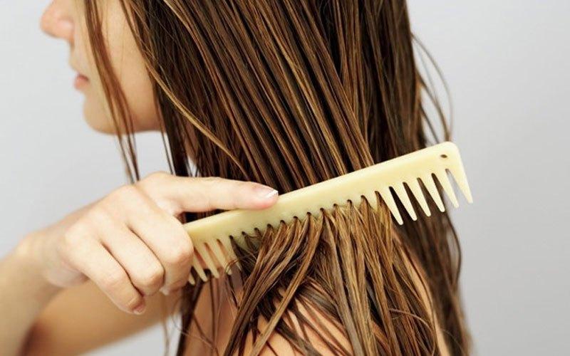 Sấy mà không chú ý đến các thói quen sau, chắc chắn tóc sẽ ngày càng xơ rụng - Ảnh 4