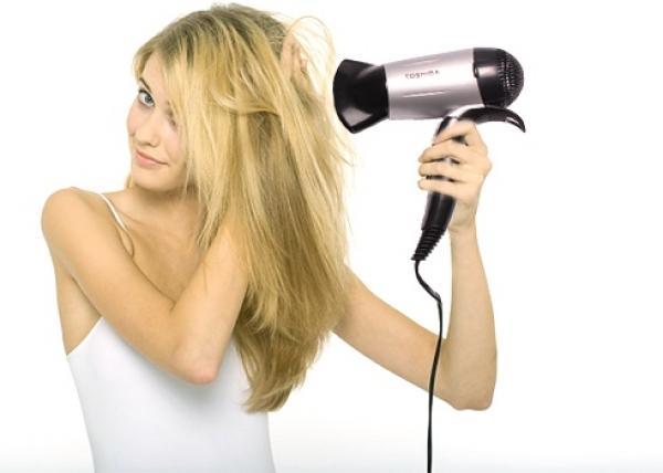 Sấy mà không chú ý đến các thói quen sau, chắc chắn tóc sẽ ngày càng xơ rụng - Ảnh 10