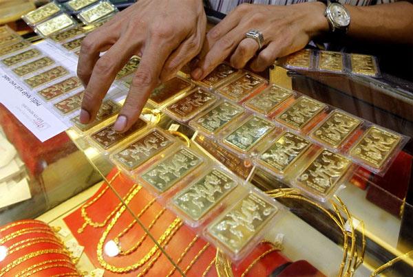 Giá vàng hôm nay 5/9: USD tăng vọt, vàng tiếp tục giảm mạnh - Ảnh 1