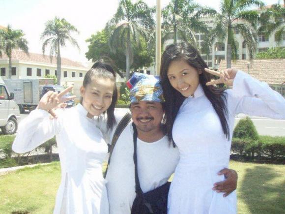 Ngọc Lan đăng ảnh diện áo dài nhân ngày tựu trường, cư dân mạng lại dòm ngó đến chi tiết cực hài khác - Ảnh 12