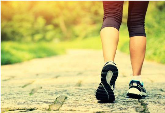 15 phút đi bộ theo cách này, giảm mạnh đau tim, đột quỵ - Ảnh 1