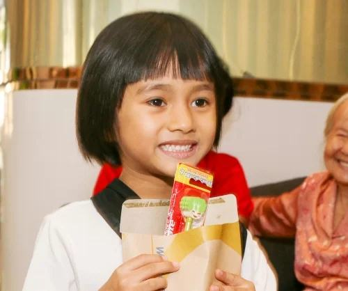 Sai lầm của cha mẹ khi không chú ý bảo vệ răng sữa cho trẻ - Ảnh 1