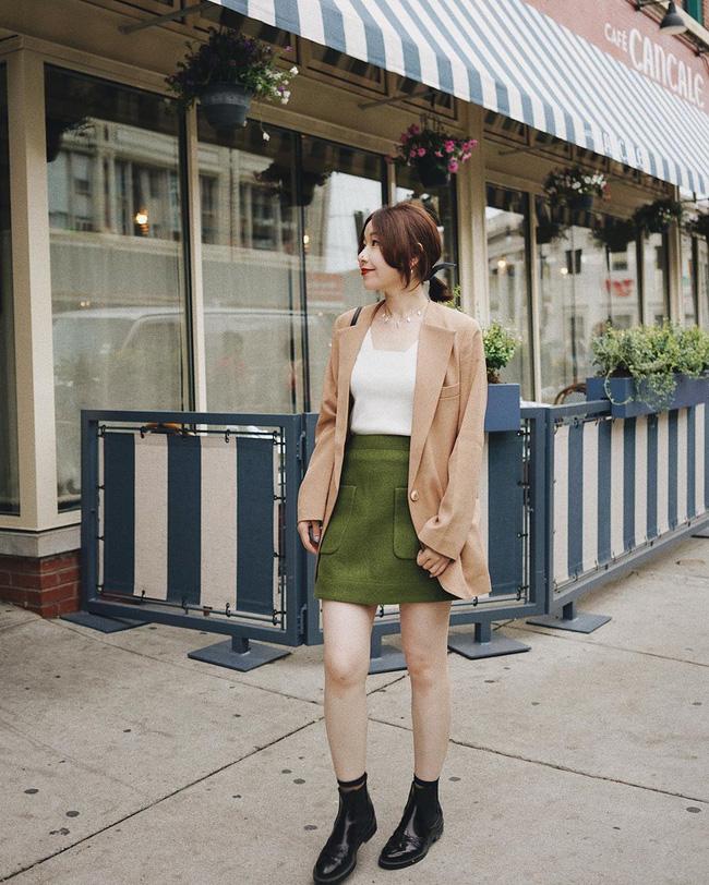 12 ý tưởng diện áo blazer + chân váy mãn nhãn đến nỗi bạn cũng phải xuýt xoa trước diện mạo của chính mình - Ảnh 11