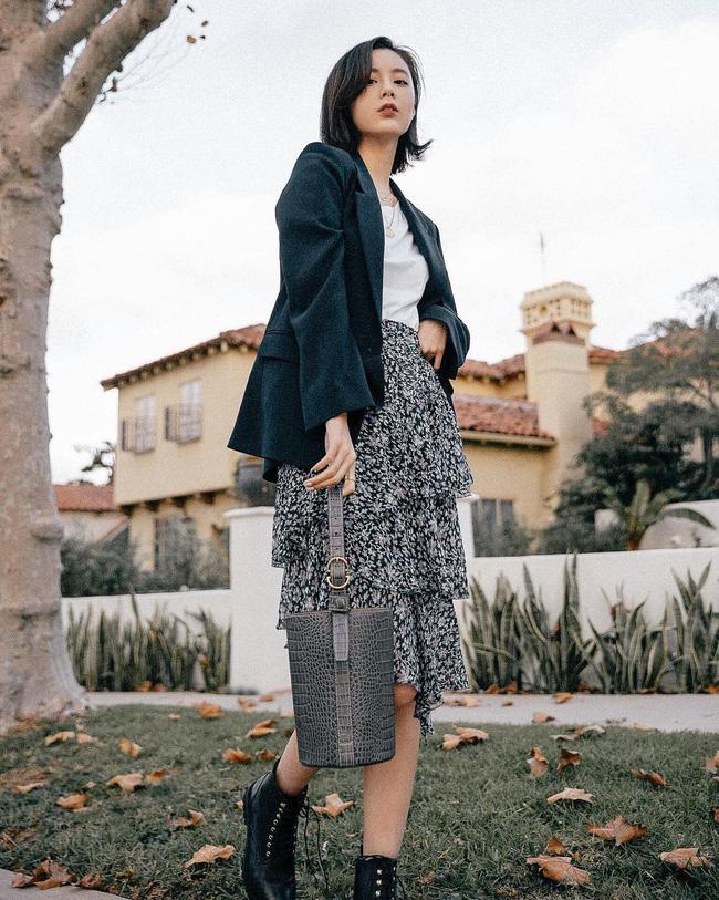 12 ý tưởng diện áo blazer + chân váy mãn nhãn đến nỗi bạn cũng phải xuýt xoa trước diện mạo của chính mình - Ảnh 5