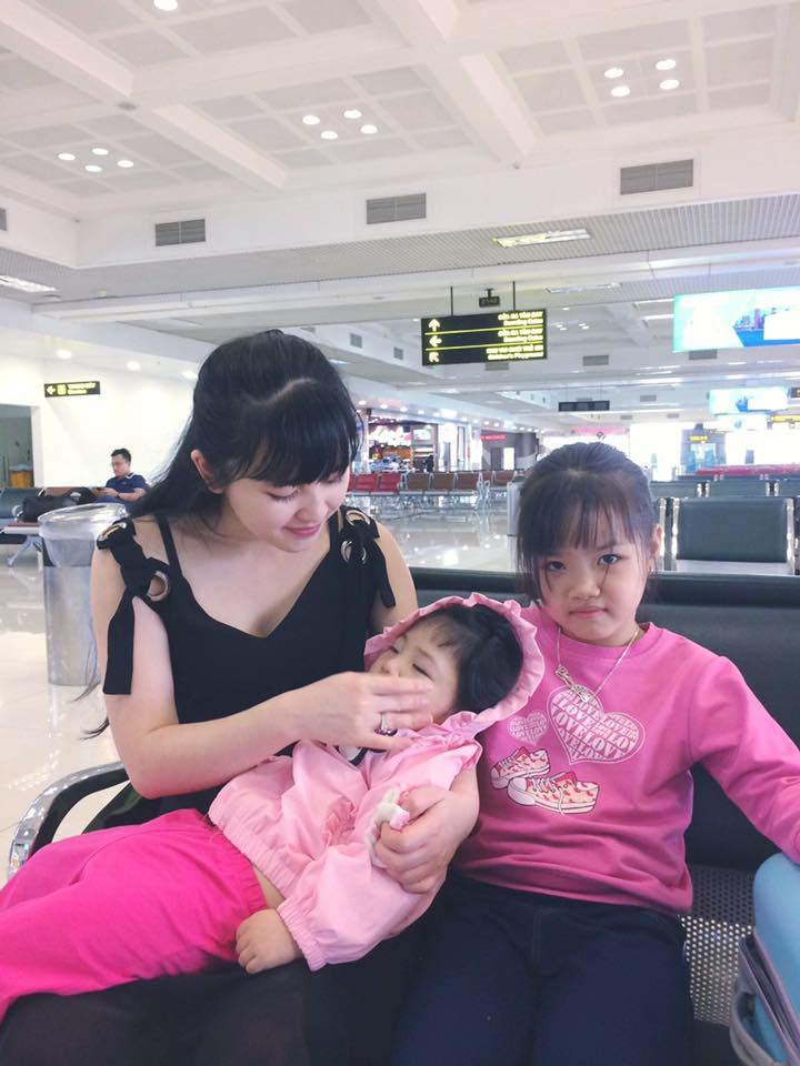 Hình ảnh mới nhất của bé gái suy dinh dưỡng ở Lào Cai: Bụ bẫm, đáng yêu khiến nhiều người vui lây - Ảnh 3