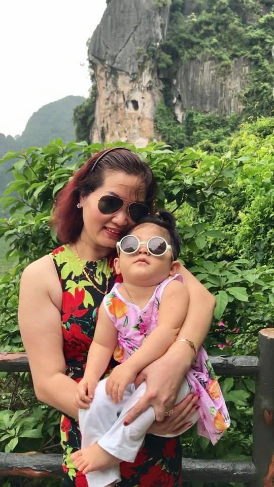 Hình ảnh mới nhất của bé gái suy dinh dưỡng ở Lào Cai: Bụ bẫm, đáng yêu khiến nhiều người vui lây - Ảnh 5