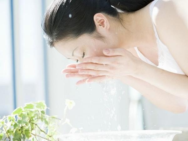 Phụ nữ U30 phải học ngay những bí quyết này của người Nhật để giữ cho làn da trẻ đẹp hơn tuổi thật - Ảnh 3