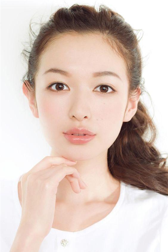 Phụ nữ U30 phải học ngay những bí quyết này của người Nhật để giữ cho làn da trẻ đẹp hơn tuổi thật - Ảnh 1