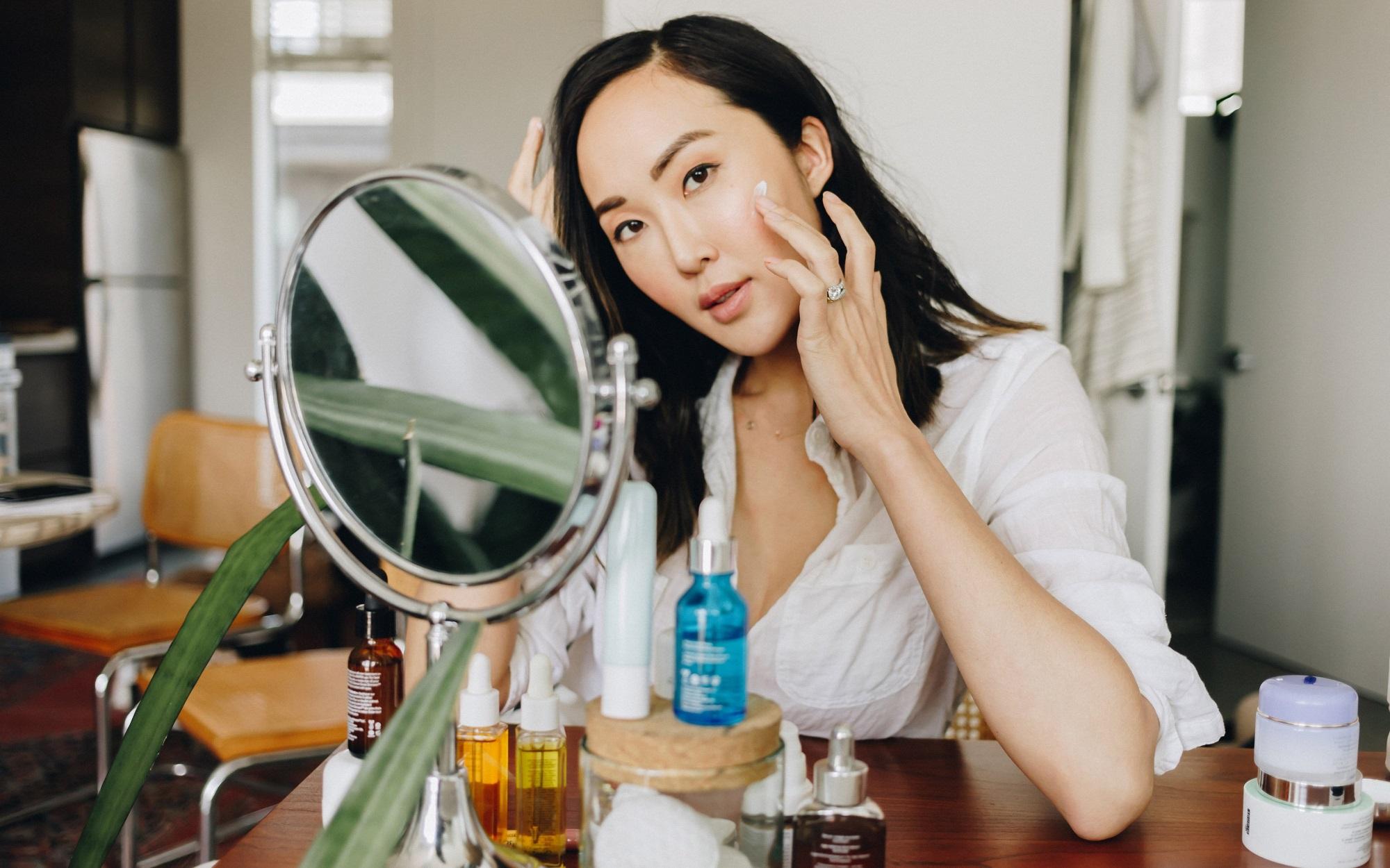 Phụ nữ U30 phải học ngay những bí quyết này của người Nhật để giữ cho làn da trẻ đẹp hơn tuổi thật - Ảnh 4