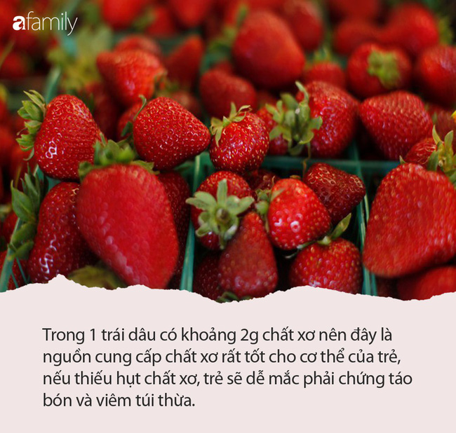 Cho trẻ ăn dâu tây có lợi ích gì mà nữ Youtuber Quỳnh Trần JP và bé Sa ăn ngon lành đến vậy? - Ảnh 2