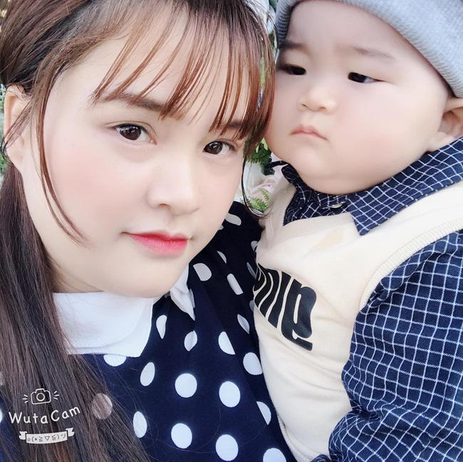 Con mới 9 tháng tuổi đã nặng 14kg, khi được hỏi bí quyết nuôi con, mẹ trẻ tiết lộ điều khó tin - Ảnh 3