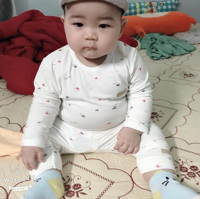 Con mới 9 tháng tuổi đã nặng 14kg, khi được hỏi bí quyết nuôi con, mẹ trẻ tiết lộ điều khó tin - Ảnh 4