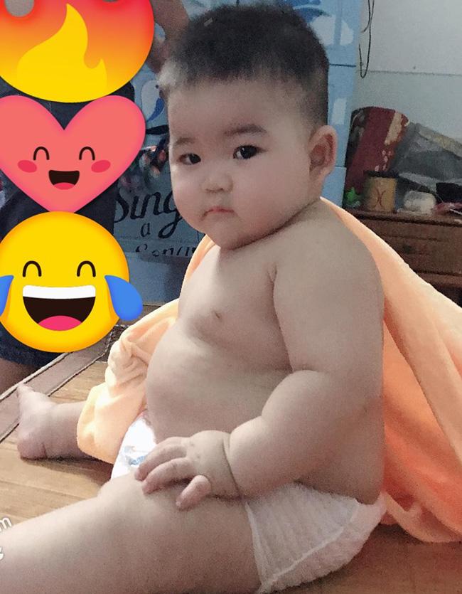 Con mới 9 tháng tuổi đã nặng 14kg, khi được hỏi bí quyết nuôi con, mẹ trẻ tiết lộ điều khó tin - Ảnh 5