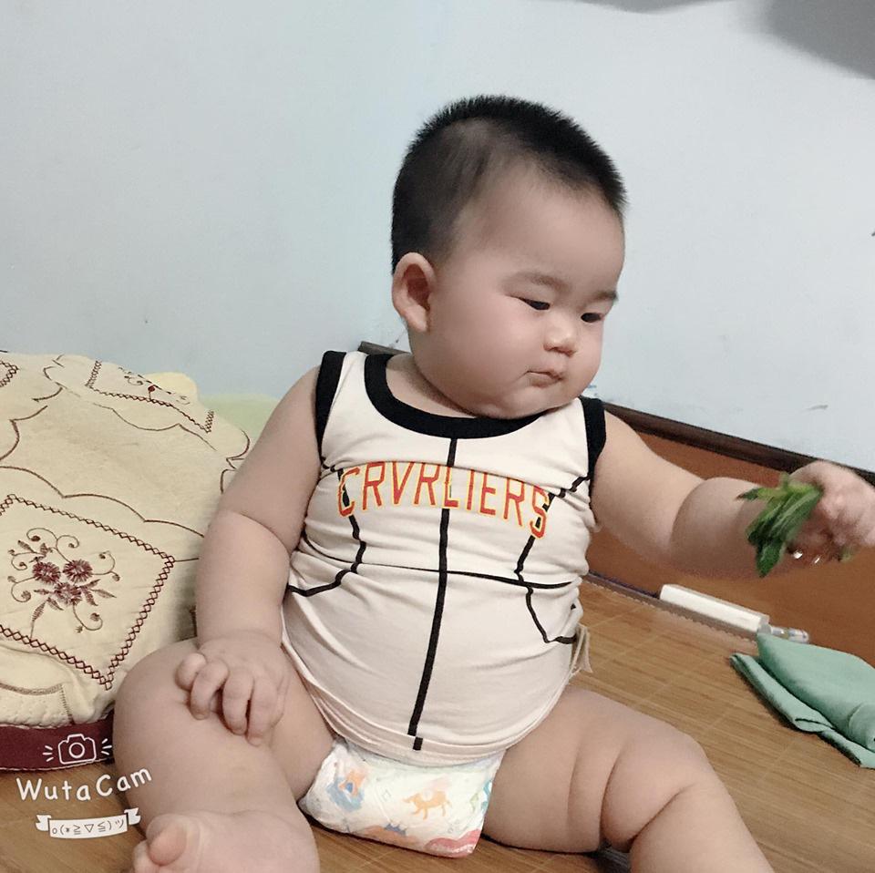 Con mới 9 tháng tuổi đã nặng 14kg, khi được hỏi bí quyết nuôi con, mẹ trẻ tiết lộ điều khó tin - Ảnh 6