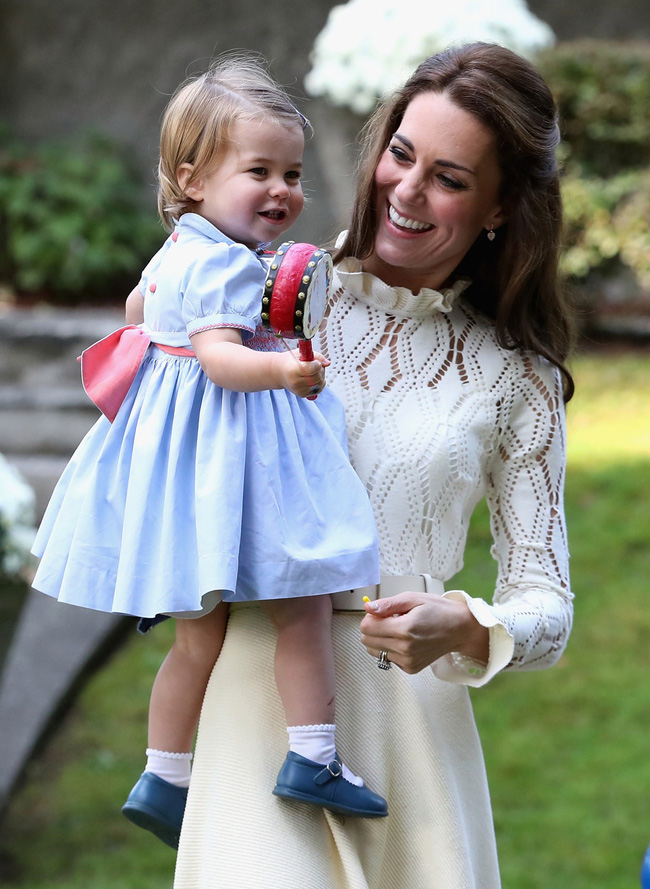 Hóa ra chìa khóa nuôi dạy con của Công nương Kate Middleton bắt nguồn từ chính thời thơ ấu của cô - Ảnh 5