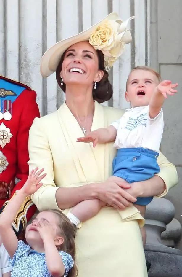 Hóa ra chìa khóa nuôi dạy con của Công nương Kate Middleton bắt nguồn từ chính thời thơ ấu của cô - Ảnh 7