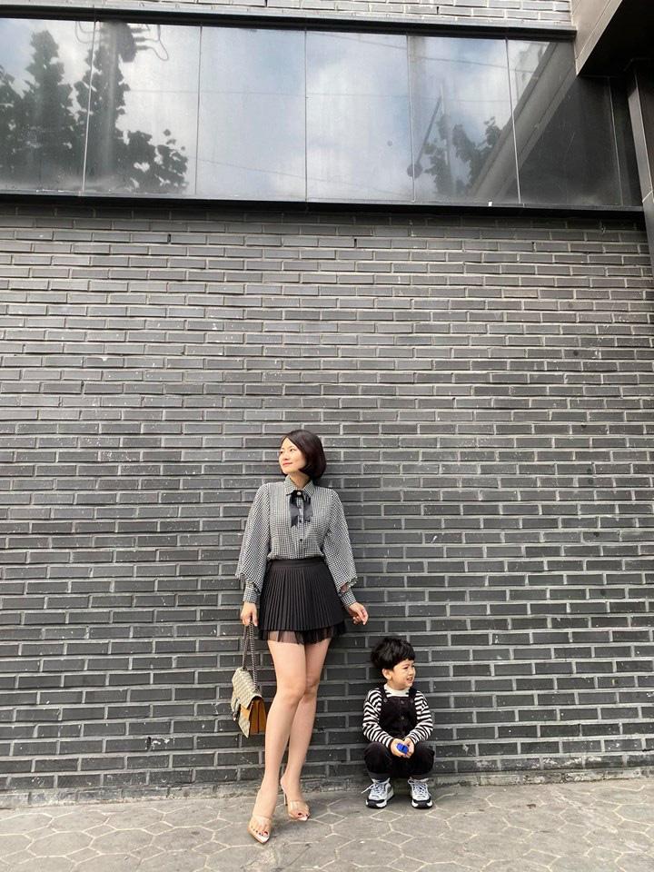 Sau màn cãi cọ với dân mạng về chuyện Thanh Bình, Ngọc Lan cùng con trai có động thái cực đáng yêu ở Hàn Quốc - Ảnh 3