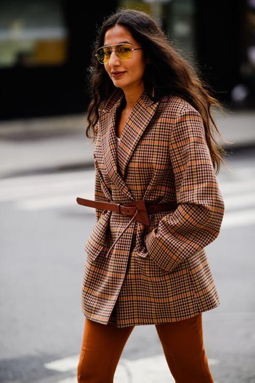 4 chiếc blazer giúp nữ công sở mặc đẹp cả năm - Ảnh 4