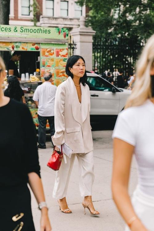4 chiếc blazer giúp nữ công sở mặc đẹp cả năm - Ảnh 6