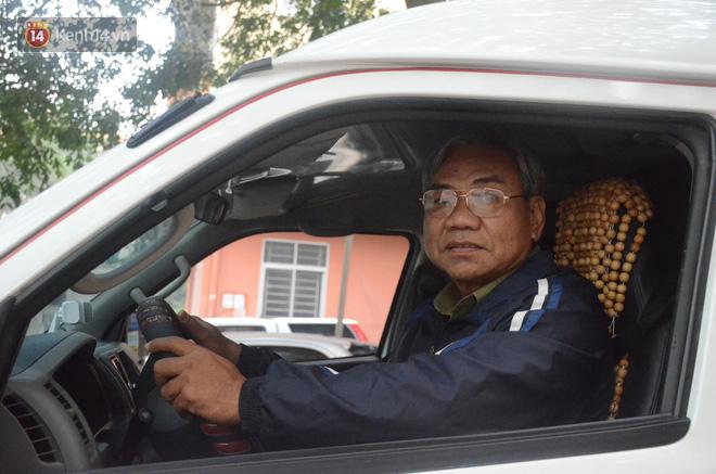 Chuyện về người phụ nữ bỏ tiền mua xe cứu thương và người đàn ông vượt gần 2.000 cây số ra Hà Nội làm tài xế miễn phí cho bệnh nhân nghèo - Ảnh 7