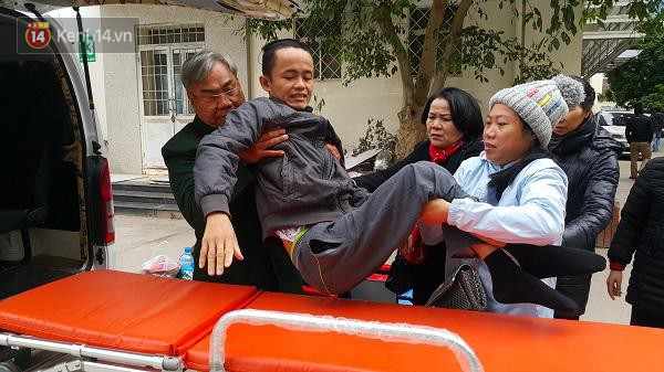 Chuyện về người phụ nữ bỏ tiền mua xe cứu thương và người đàn ông vượt gần 2.000 cây số ra Hà Nội làm tài xế miễn phí cho bệnh nhân nghèo - Ảnh 3