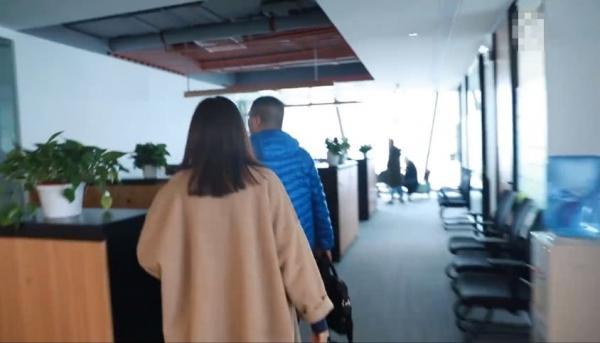 Dương Mịch lần đầu giới thiệu văn phòng, gây choáng với địa vị của Địch Lệ Nhiệt Ba trong công ty - Ảnh 3