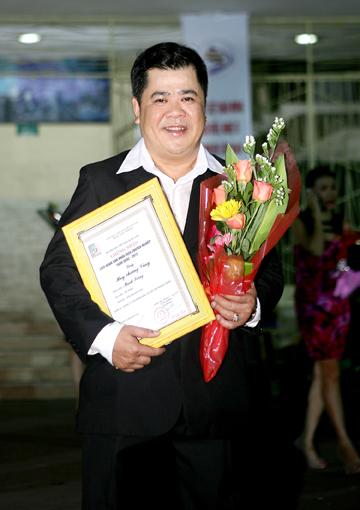 Ông bầu Sân khấu kịch Sài Gòn đột ngột qua đời ở tuổi 53 - Ảnh 2