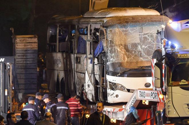 Thi thể 3 du khách vụ đánh bom ở Ai Cập được đưa về nước - Ảnh 2