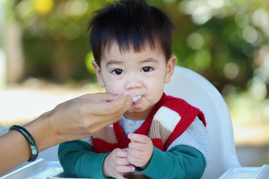 Top 8 loại thực phẩm 'vàng' giúp trẻ 'lớn nhanh như thổi' mẹ nên cho bé ăn ngay - Ảnh 3