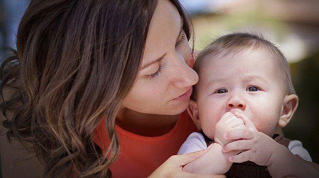 Biết được giọng nói của mình tác động đến não bộ của trẻ như thế này, các mẹ hẳn sẽ chăm nói chuyện với con nhiều hơn - Ảnh 2
