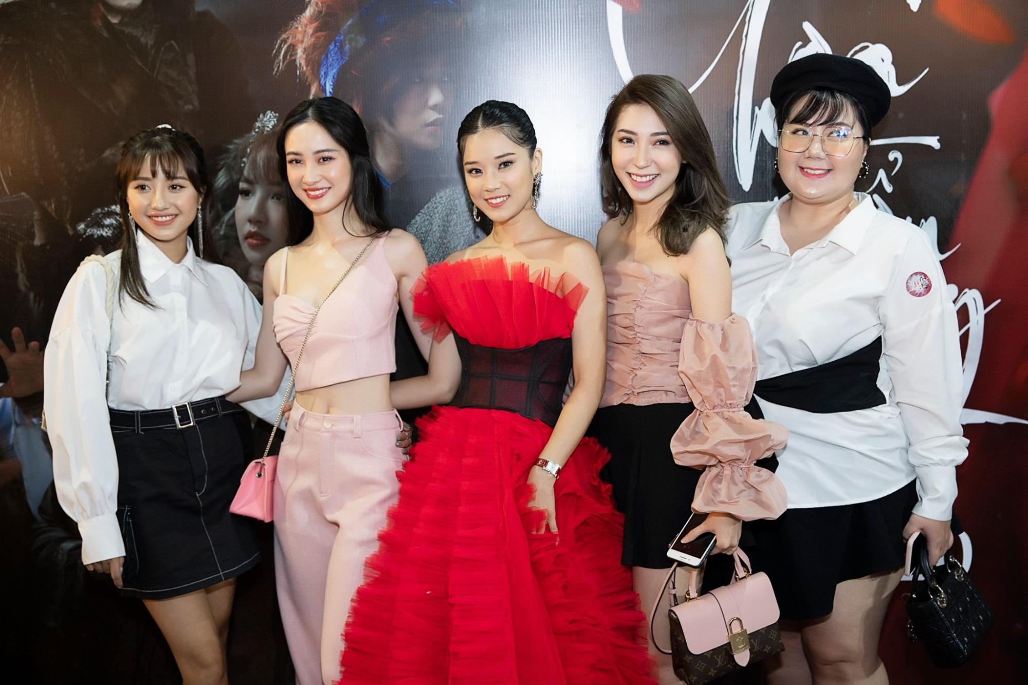 Hoàng Yến Chibi quyết định bán nhà làm MV cổ trang 'Cánh hoa tổn thương' - Ảnh 3