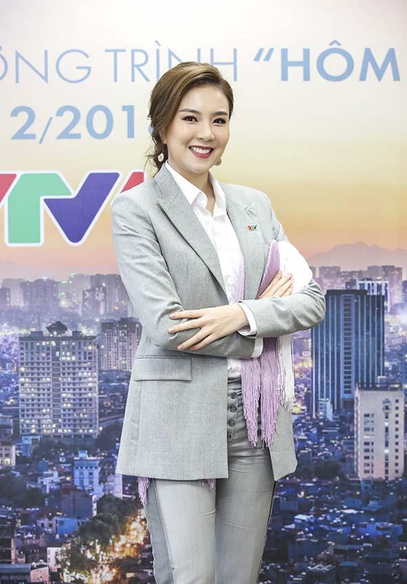 BTV Mai Ngọc từ chối chạy show để ở nhà cắm hoa, nấu ăn ngày Tết - Ảnh 3