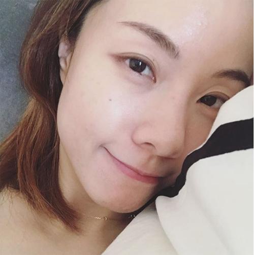Da đẹp không cần photoshop của các mỹ nhân Hong Kong - Ảnh 3