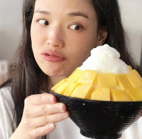 Da đẹp không cần photoshop của các mỹ nhân Hong Kong - Ảnh 9